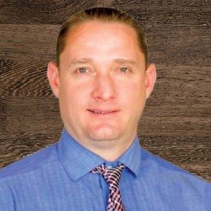 Agent and owner Todd Studebaker head shot